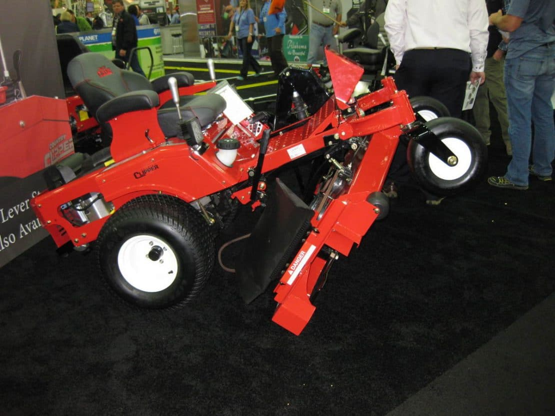 How Many Lawn Tractors And Zero Turns Are There For 2015 -3437