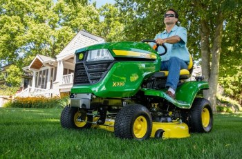 John Deere Enhances Residential Mowers for a Quick, Quality Cut 3