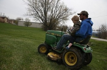 Study Reveals That More Than Half of Reported Cases of Lawn Mower-Related Injuries Requires Amputation 8