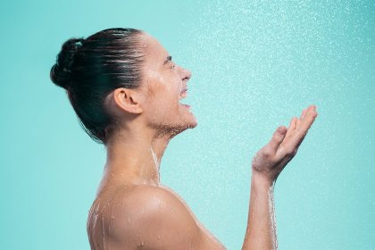 How Bad Is It to Wash Your Face in the Shower? Skin Care Experts Explain