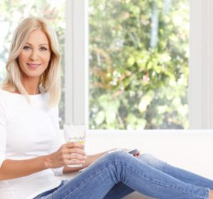 8 Habits Healthy Aging Women Do Every Day