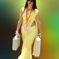 yellow_Saree_Women_photos (12)