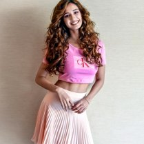 disha_patani_hot_navel_photos (1)