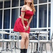 twinkle_kapoor_hot_tigh-photos (20)