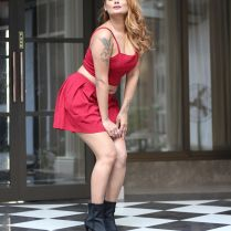 twinkle_kapoor_hot_tigh-photos (5)
