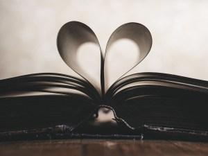 Paper book heart