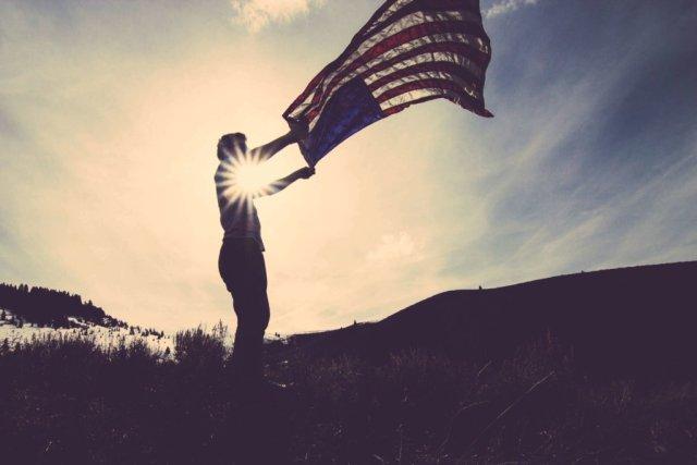 memorial day waving american flag