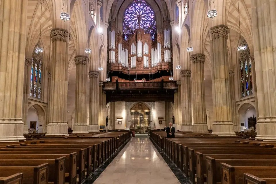 Supreme Court blocks strict COVID-19 restrictions on some New York houses of worship
