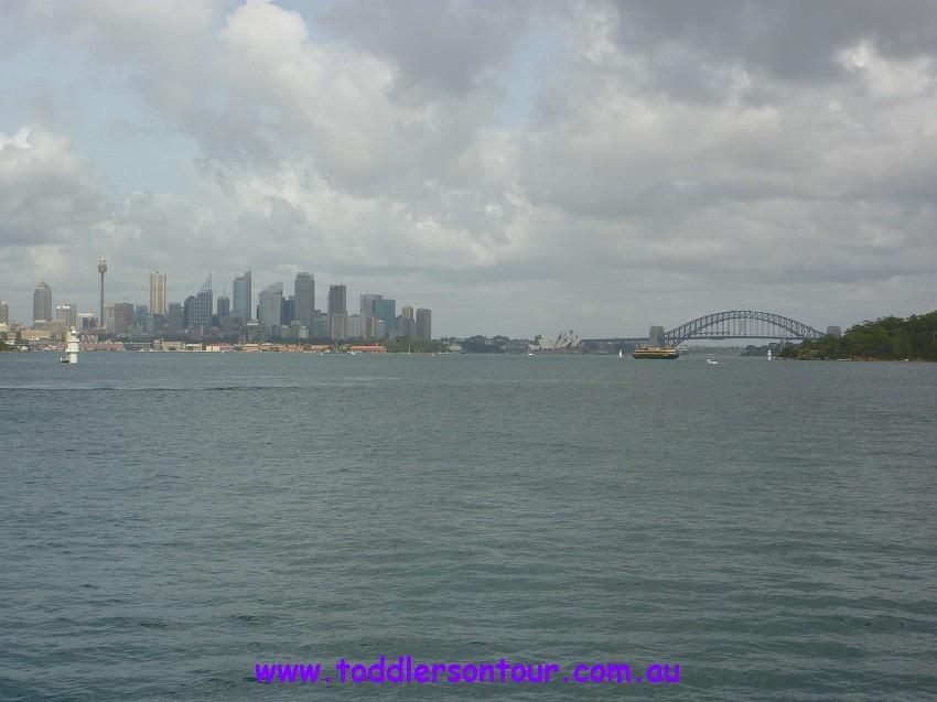 sightseeing Sydney harbour