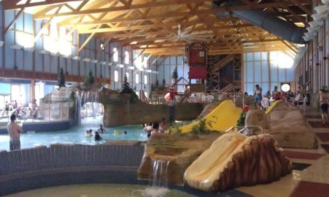 GJGBR - water park from kids pool
