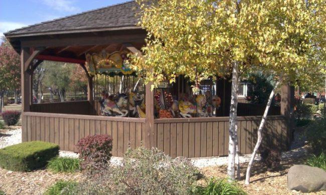 Royal Oak Farm - carousel - Toddling Around Chicagoland