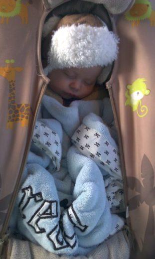 Walgreens Web Pickup - sleeping baby - Toddling Around Chicagoland #HappyHealthy #CBias
