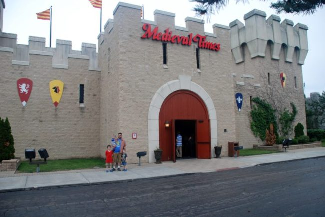 Medieval Times - Toddling Around Chicagoland #MedievalTimesCHI