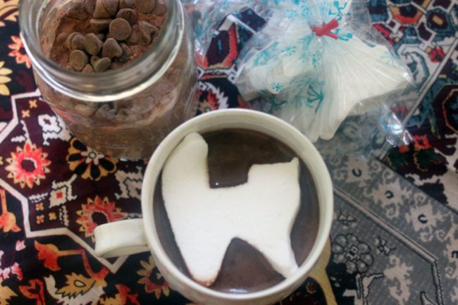 Hot-Chocolate-with-Cat-Marshmallows-Low-Res-1024x682