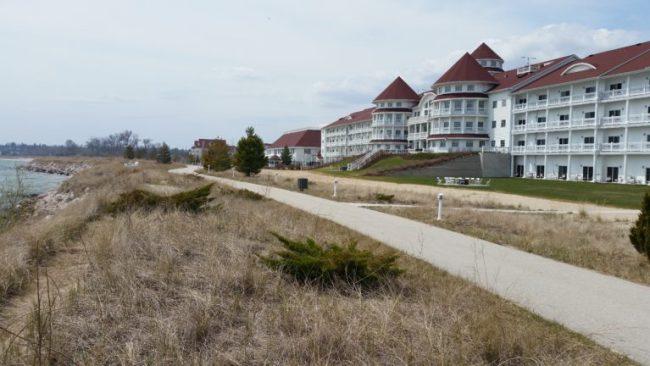 Blue Harbor Resort - shoreline