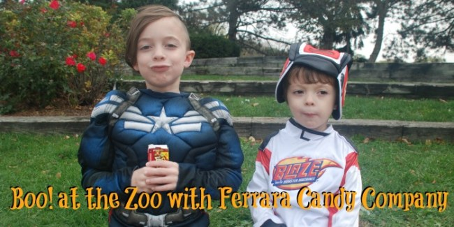 Boo! at the Zoo with Ferrara Candy Company [ad]