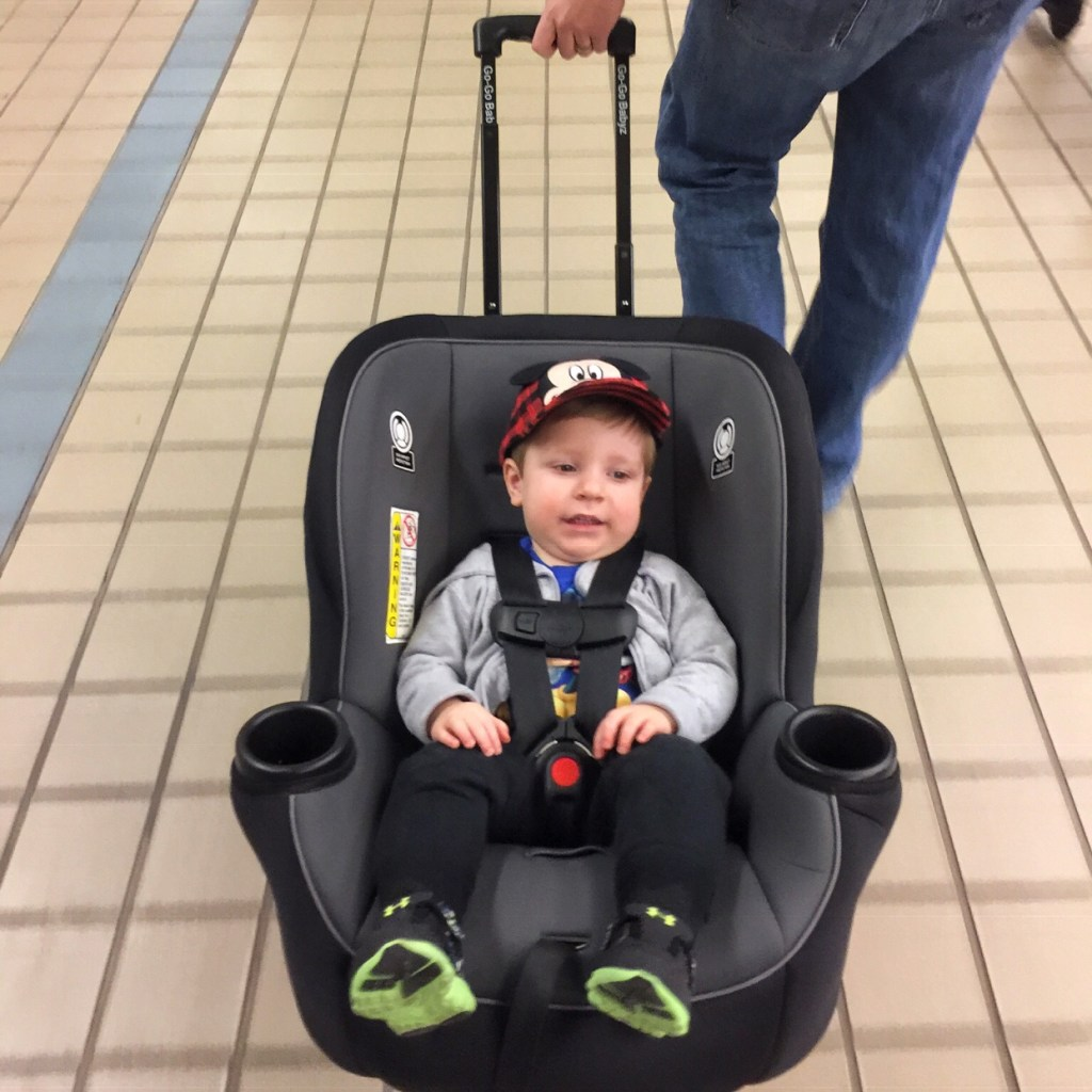 Flying with a toddler gogobabyz travelmate
