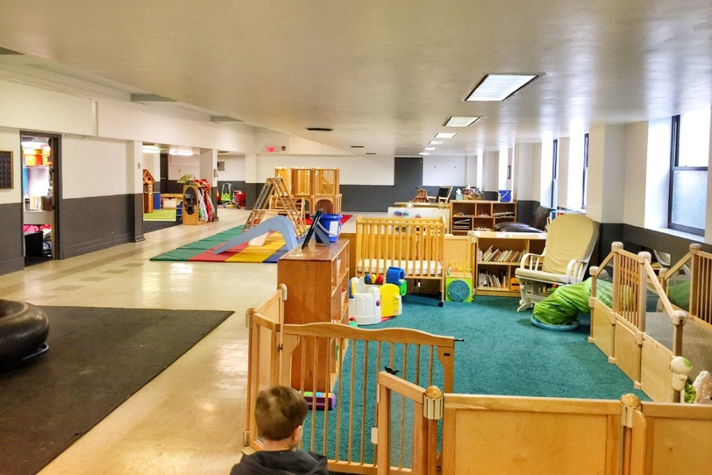 Indoor play places in Pittsburgh toy lending library