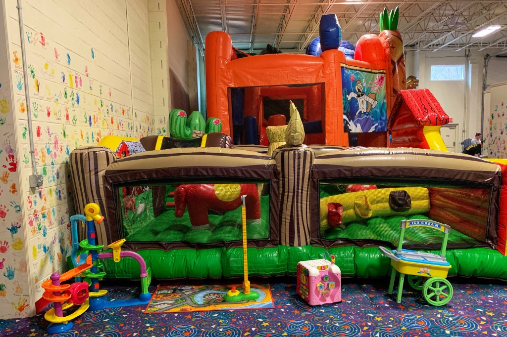 Plant Bounce Indoor Play Place in Pittsburgh