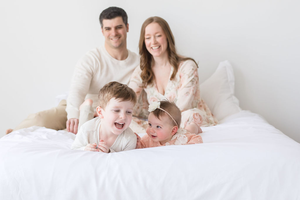 Pittsburgh family photographer Lindsey Ferrie Toddling Traveler