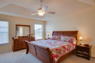 25500 Meadow Ct South Lyon MI master bedroom