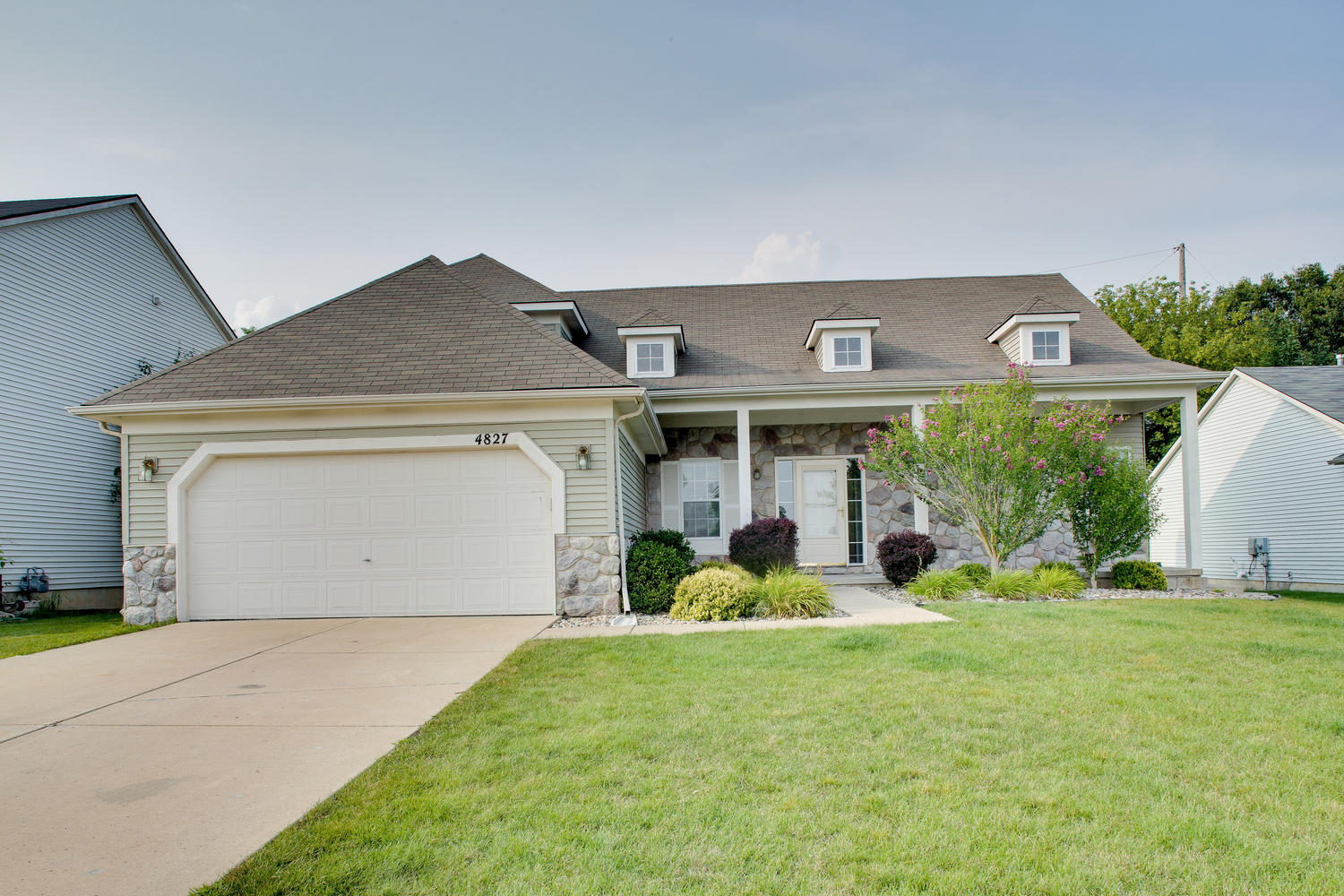 4827 Hickory Pointe, Ypsilanti | Hickory Pointe Neighborhood