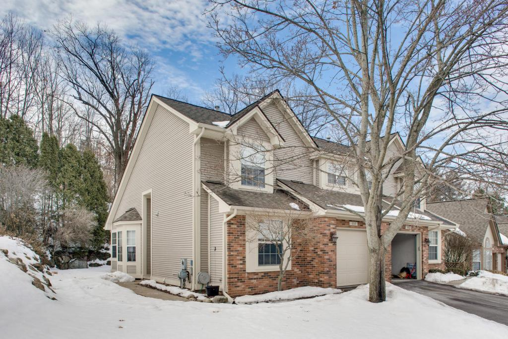 868 Whisperwood Trail Fenton MI
