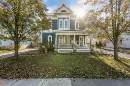 313 W Lake St, South Lyon, MI | Victorian Charmer