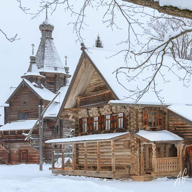Top 10 Facts About The Russian House To Discover Russia
