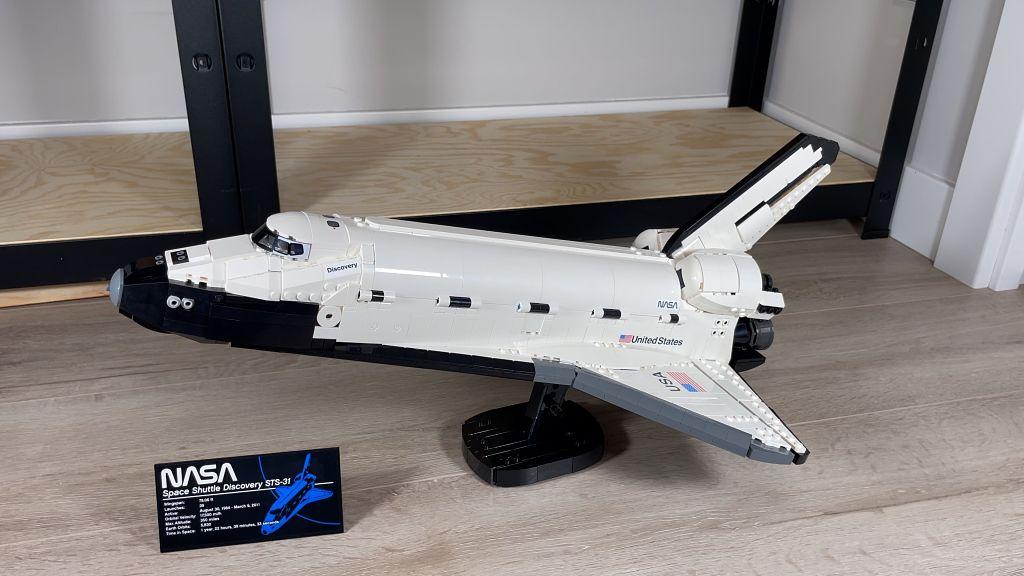 LEGO 10283 Discovery Space Shuttle o Transbordador Espacial