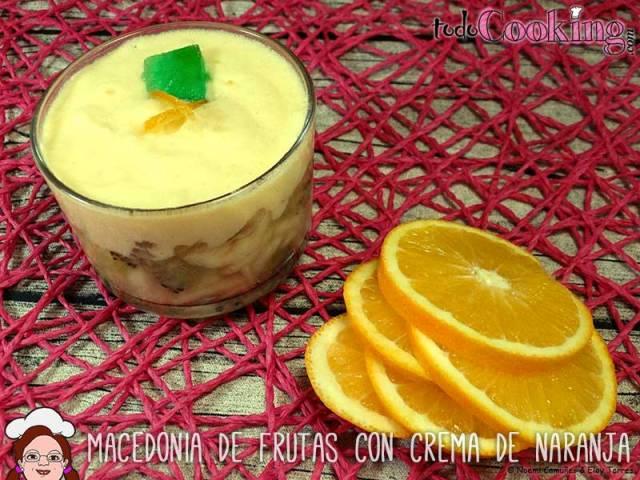 Macedonia de frutas con crema de naranja