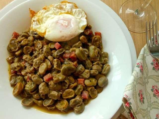 ##Habas con jamón y huevos fritos recetas con legumbres
