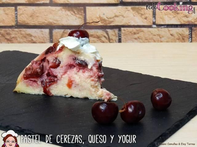 Pastel de Cerezas, Queso y Yogur