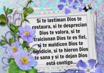 Imágenes Cristianas: Dios en todo momento está contigo