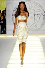 Nyasha-Matonhodze-Versace-Spring-2012-RTW-Womenswear-530x796