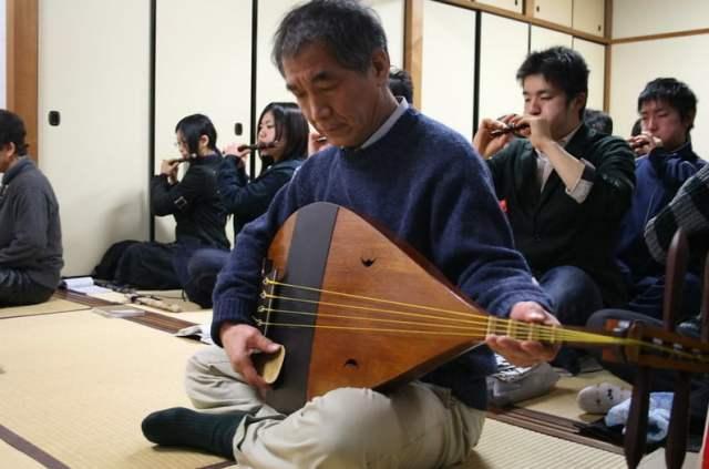 Shamisen, un tipo de laúd japonés koto