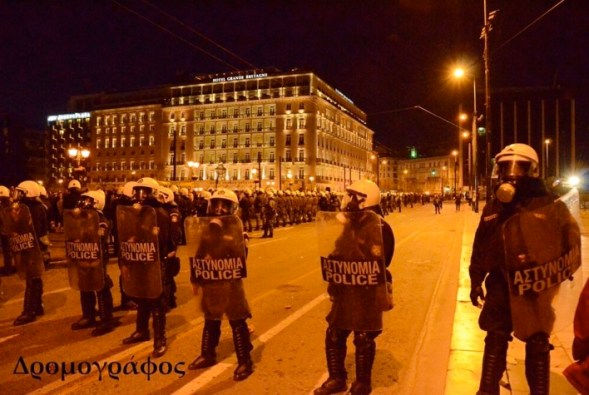 "Policias ""starwars "" en Syntagma foto@dromografos"