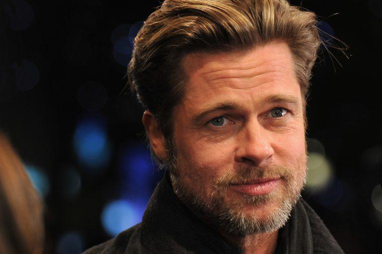 Entre las Características corporales poco comunes encontramos a Brad Pitt y sus destacados ojos azules