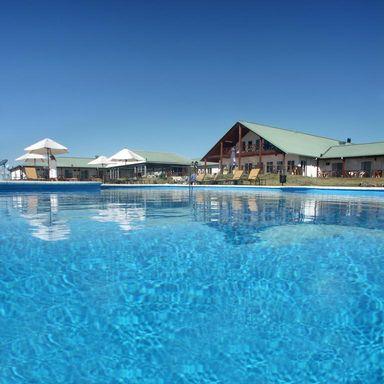 Vista Piscina Los Naranjos Resort y Spa-Termal