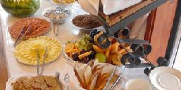 Desayuno Los Naranjos Resort y Spa-Termal