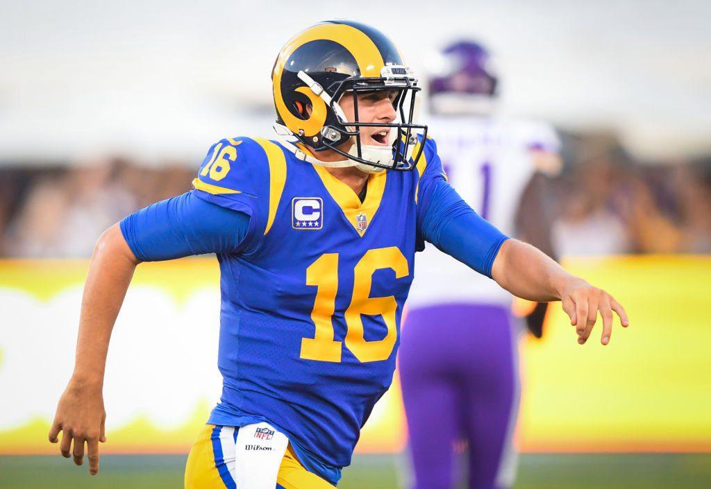 Rams con Goff opacan a Vikings y siguen sin conocer la derrota