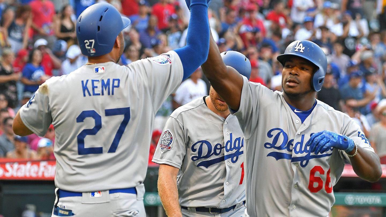 Dodgers van por Harper tras negociar a Yasiel Puig