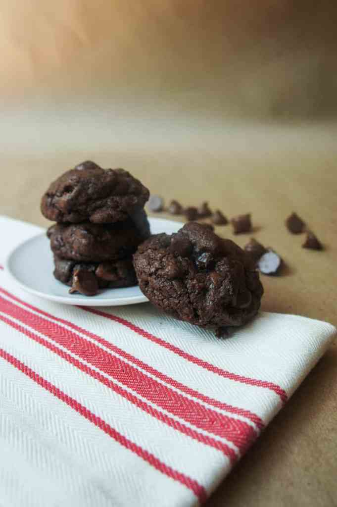 Brownie Cookies in under 20 minutes with this unlikely ingredient? yes please! (hint: I'm pretty sure you have this chocolatey ingredient in your pantry already!