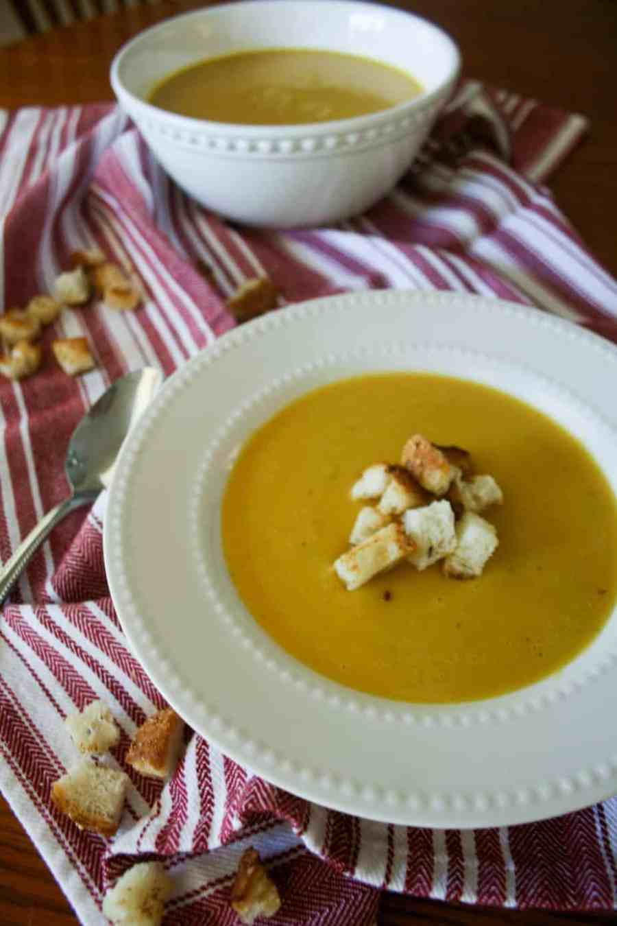 Autumn Squash Soup. The perfect fall and winter dinner that will be on repeat for the months to come.