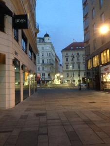ウィーン早朝ランケルントナー通り