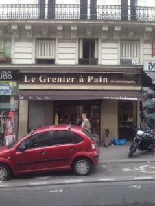 世界のパン屋巡り パリ2軒目  Le Grenier a Pain美味しいクロワッサン。