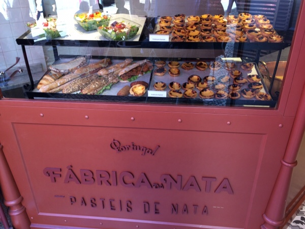 ポルトでおいしいエッグタルトを食べるならここ!エッグタルトの名店Fábrica da Nata - Porto