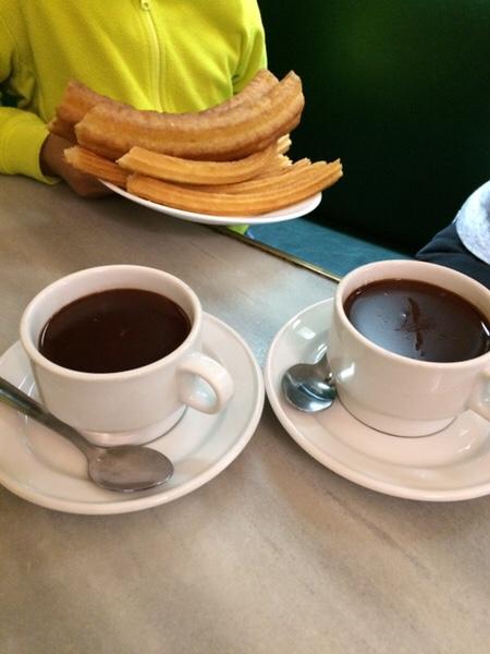 San Ginés Chocolateriaマドリッドでチュロスと言えばここチュロスとホットチョコレート