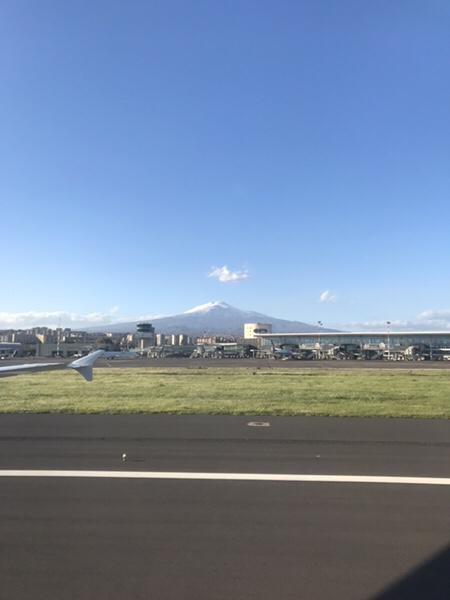 カターニア空港からのエトナ山