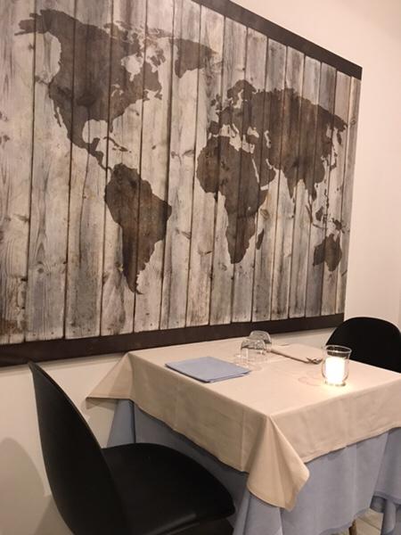 Bistrot du monde taormina店内の世界地図